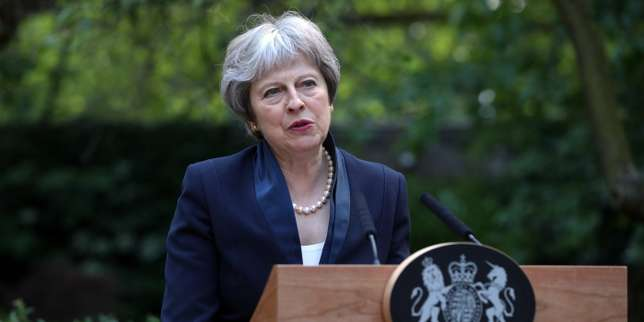 Alarmée par la question irlandaise, Theresa May envisage de reculer le Brexit à 2023